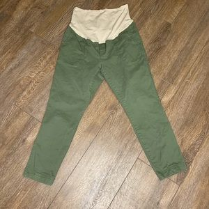 Old Navy olive green pixie maternity pants 12